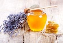Как правильно делать медовый массаж от целлюлита?