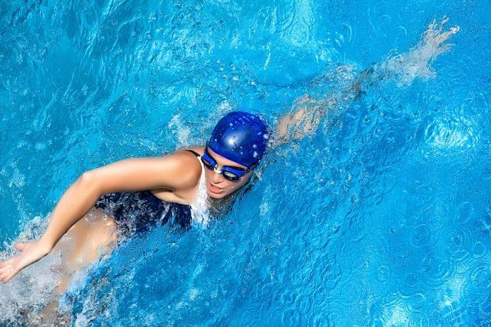 Плавание для похудения: как правильно плавать в бассейне, чтобы похудеть, какие мышцы работают, стили, упражнения, как дышать