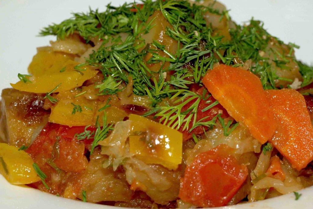 Соус с кабачками и картошкой и мясом